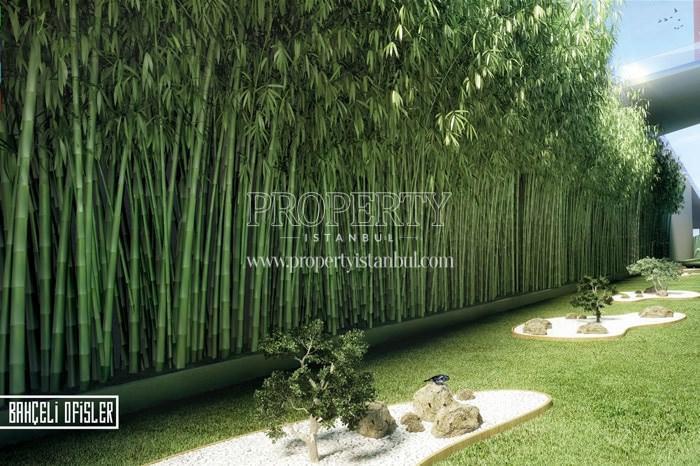 Small verdant garden in 42 Maslak
