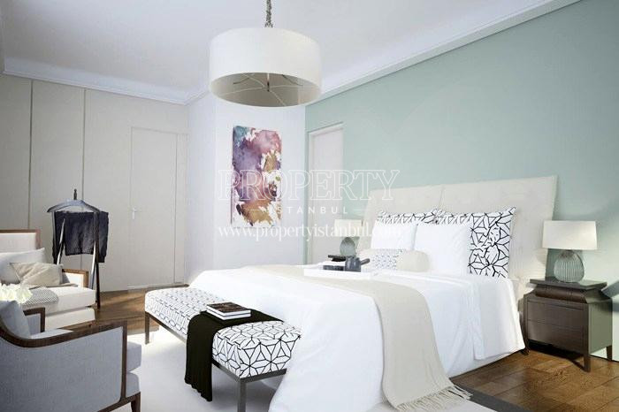 One of the master bedrooms in Arti Tarabya