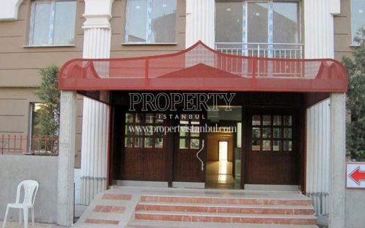 The entrance of Asrin Konutlari bulding