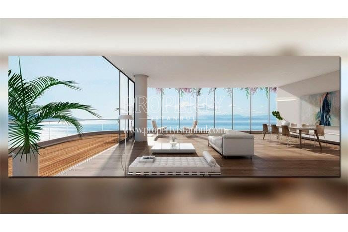 Spacious living room with the wide balcony in front of the Maramara sea in Yedi Mavi