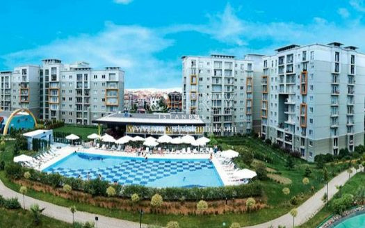 The outdoor swimming pool of Ismailoglu Dumankaya Trend compound