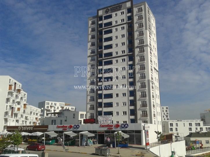 Yildiz Kule Tuzla building with super market