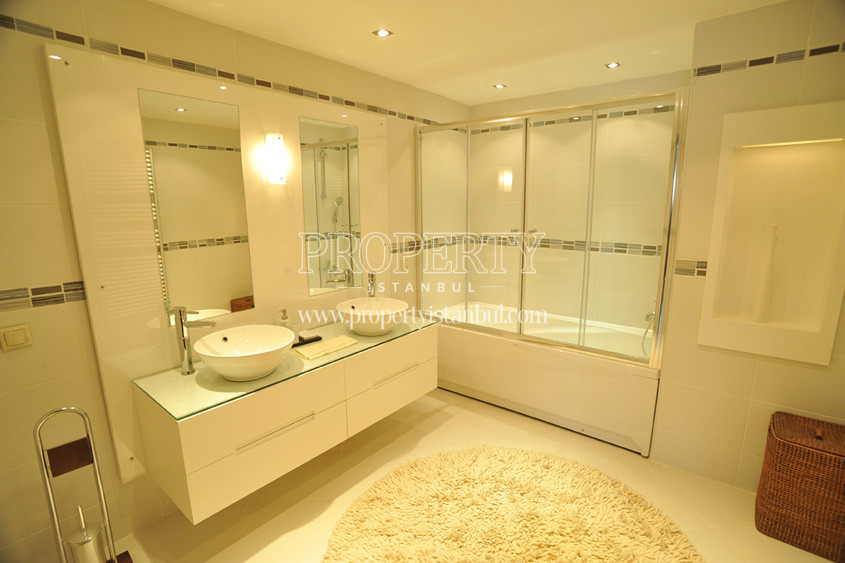 Almondhill bathroom