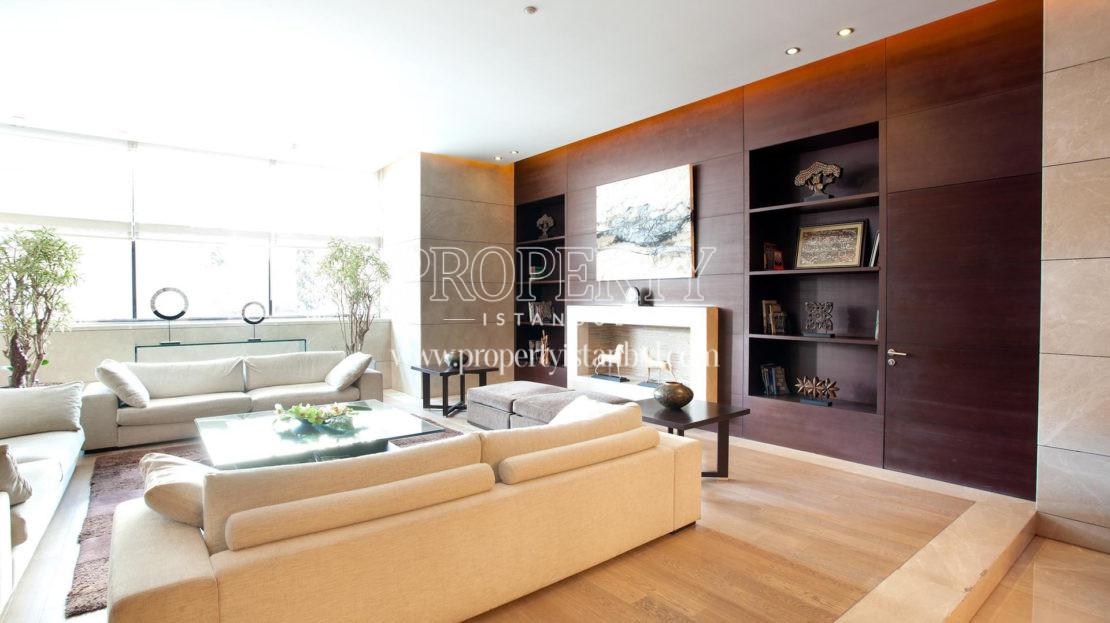 A livingroom in Kempinski Residence Astoria