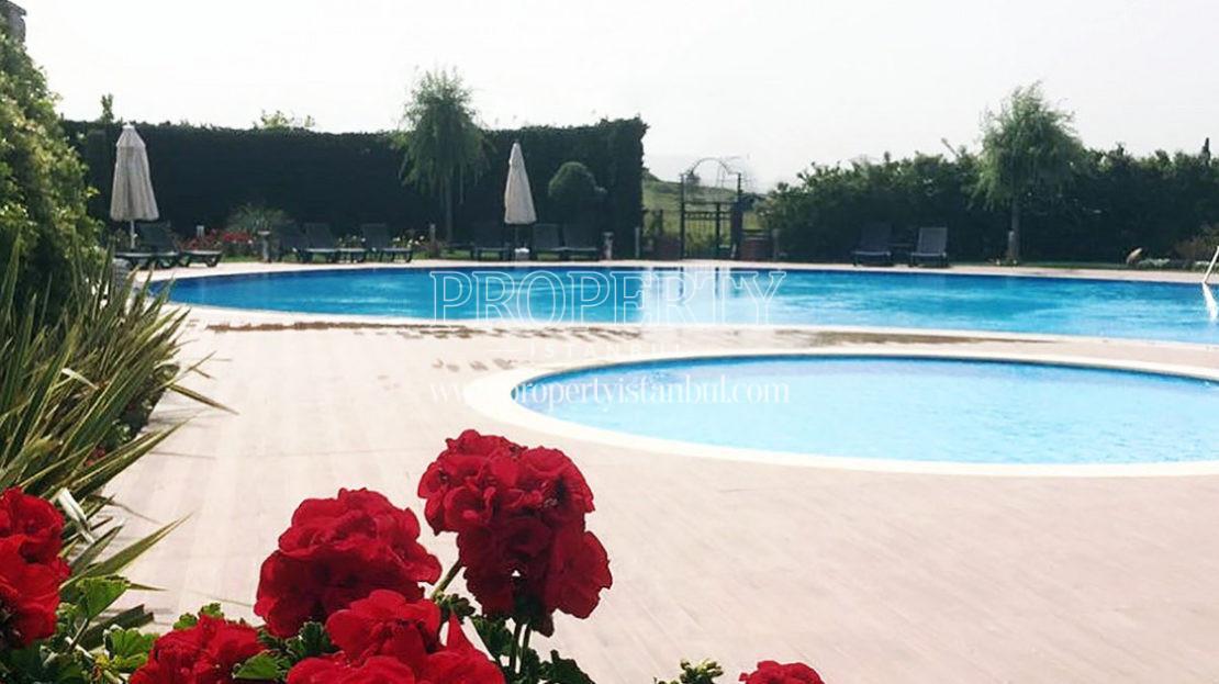 Kugu Evleri swimming pools