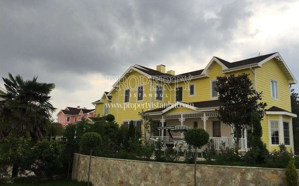 A villa in Leoland City Vİllalari houses