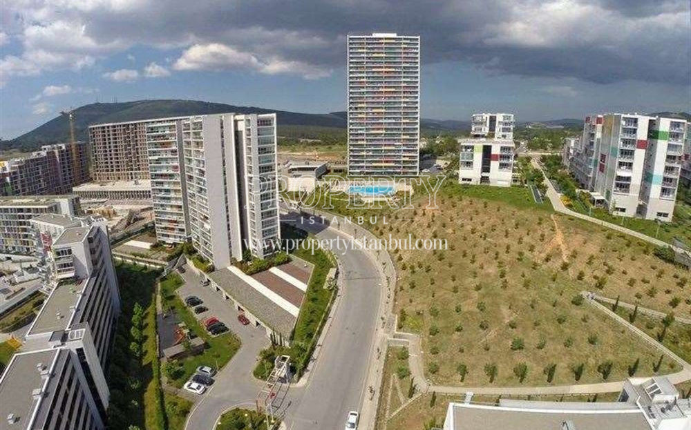 Nar Kule project from the far