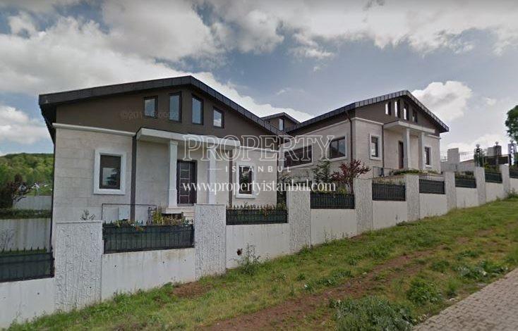 The villas in Neos Evleri