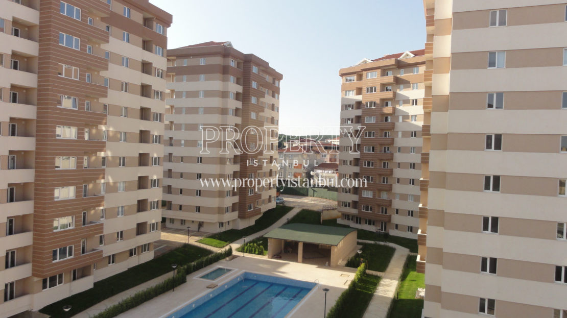 Parkverde Residence Tasdelen block with complex swimming pool