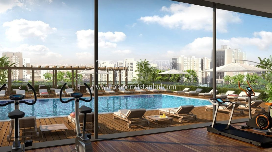 Gym and outdoor swimming pool in Brand Istanbul Park